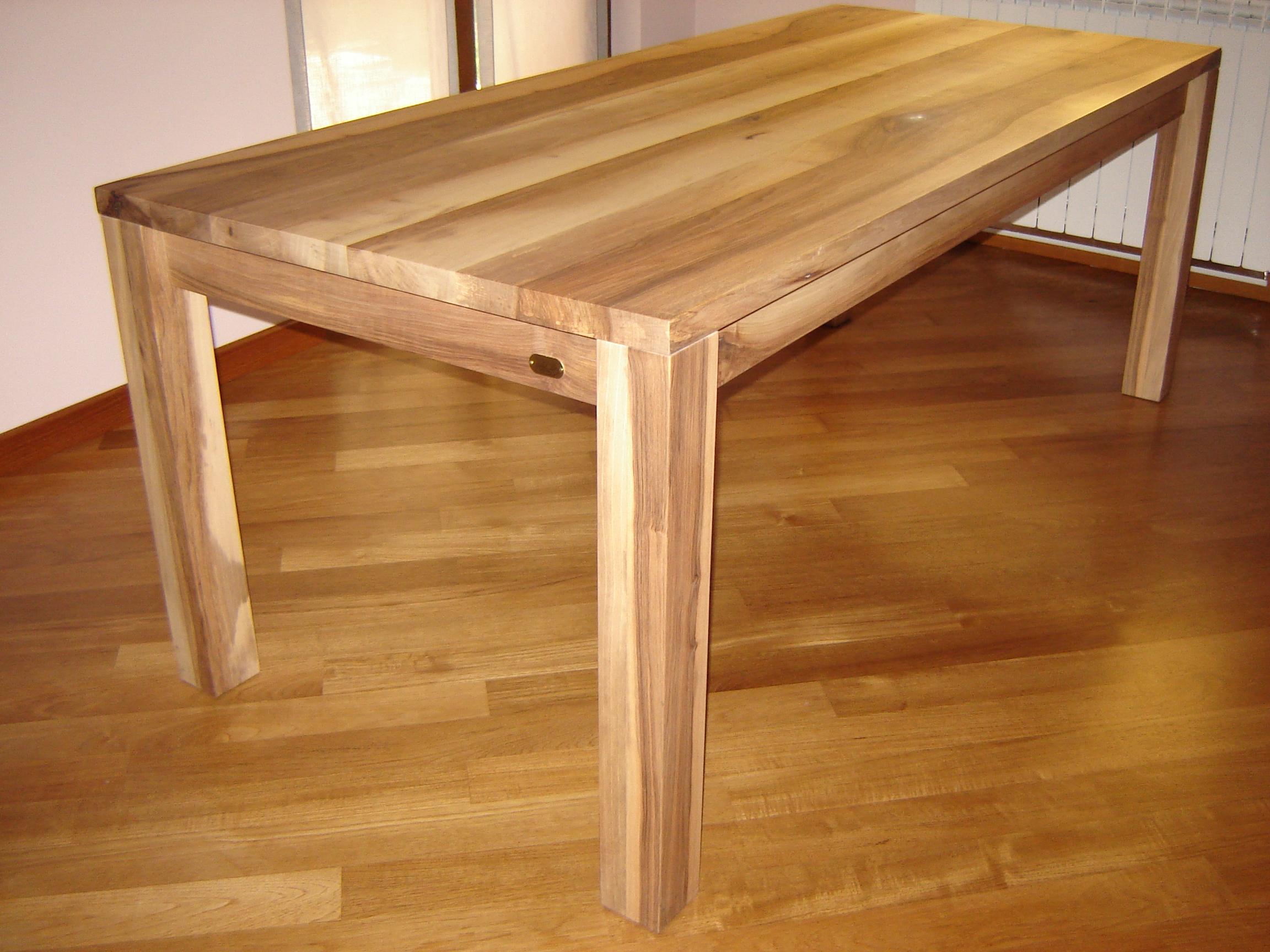 tavolo_legno_massello_noce_nazionale
